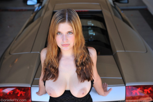 Sexy Girl In Lamborghini Murcielago