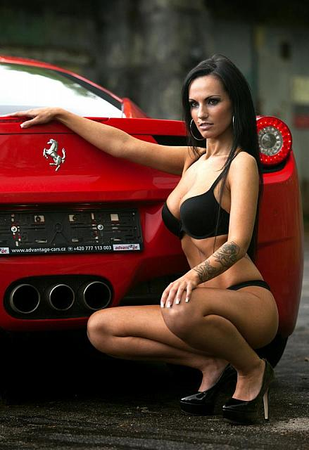 hot-girls-hot-cars02
