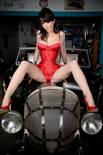 hot-girls-hot-cars07