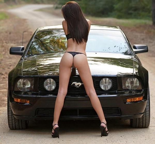 hot-girls-hot-cars08