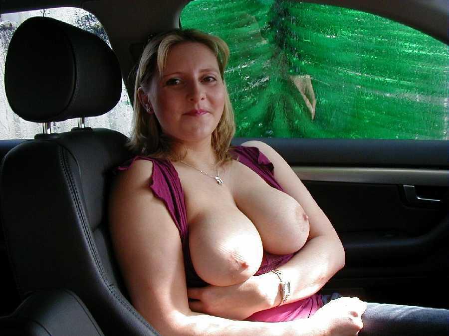 Amateur girls on cars