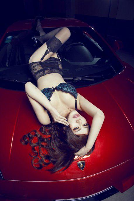 photos of random sexy girls and cars