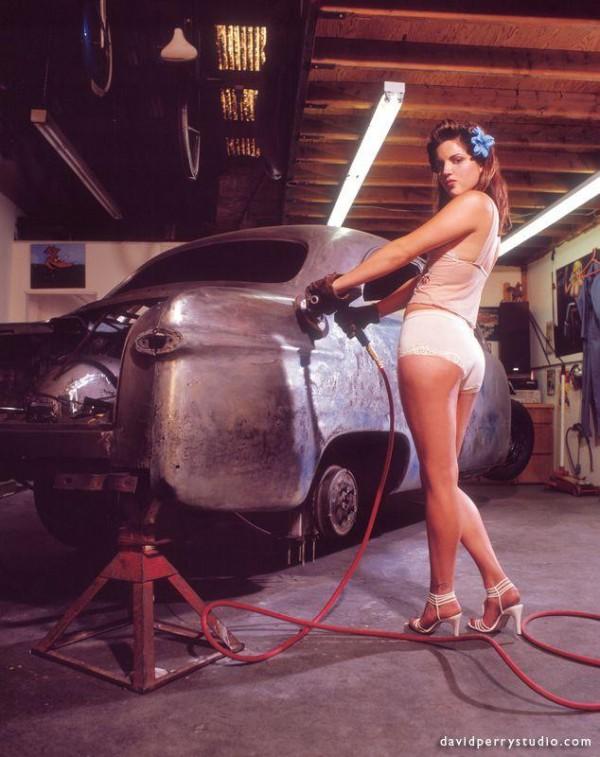 photos of random sexy girls and cars