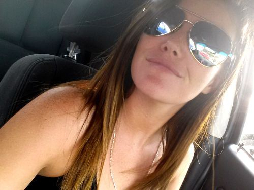 Sexy Girls Car Selfies