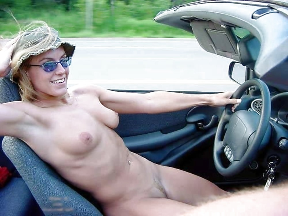Girl drives car nude