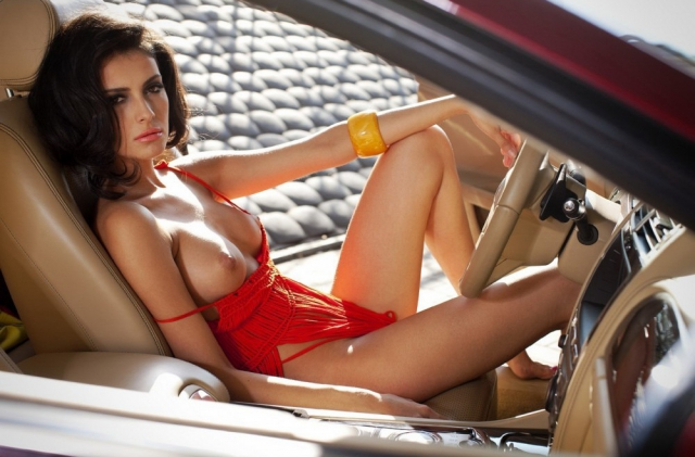 Hot nude girl in car speak