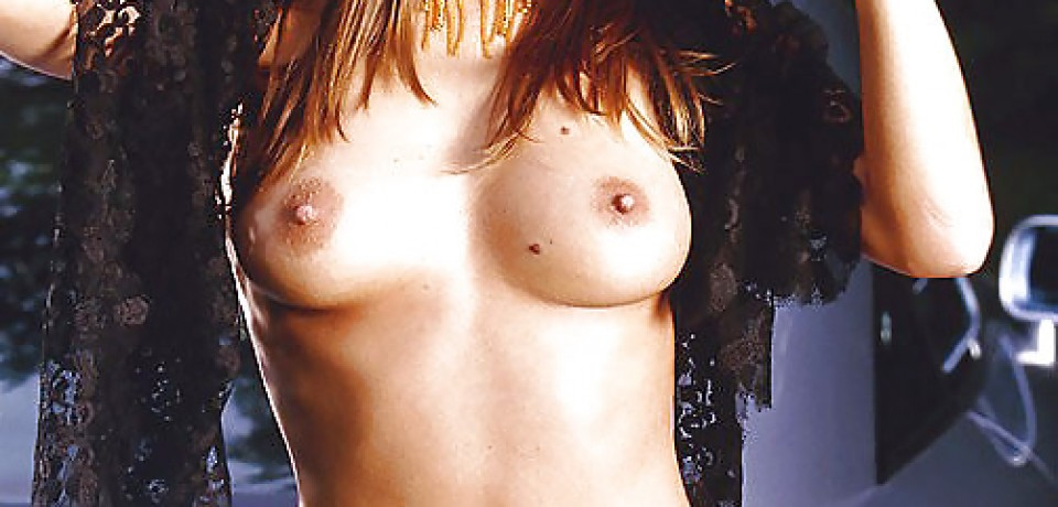 hot_redhead_girl_and_audi_10