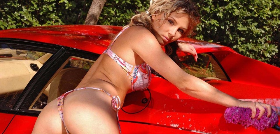 Sexy Car Wash Girls 2