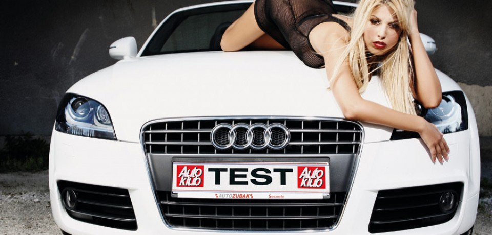 sexy_blonde_and_audi_01