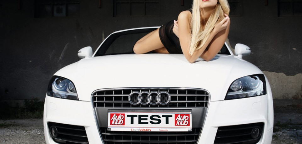 sexy_blonde_and_audi_02