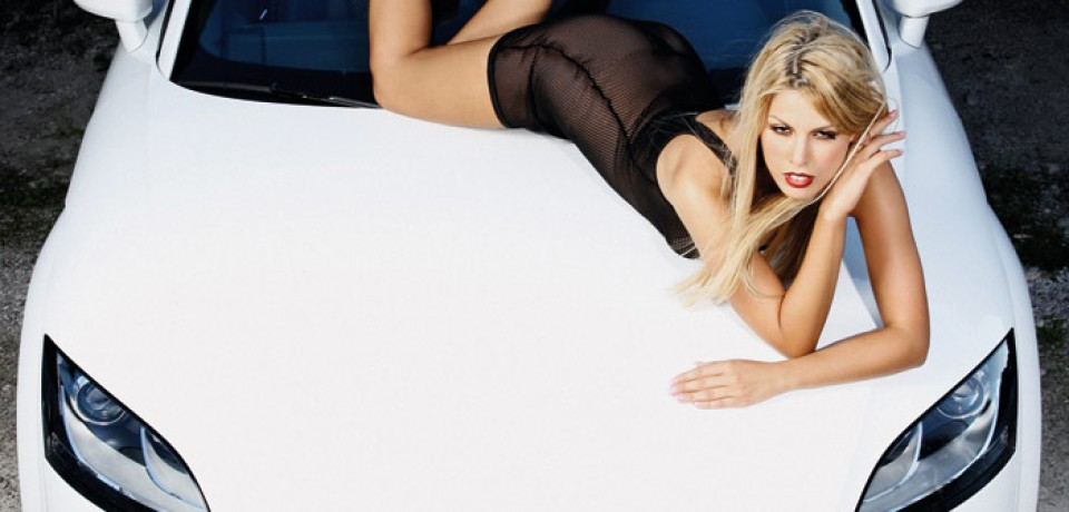 sexy_blonde_and_audi_09