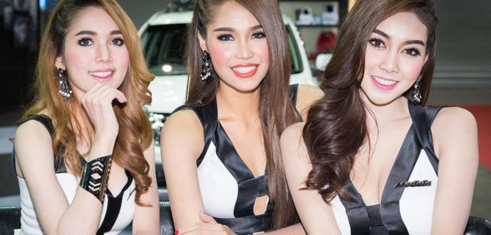 Sexy Asian Girls At Bangkok International Auto Salon 2015 03