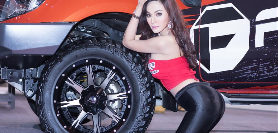 Sexy Asian Girls At Bangkok International Auto Salon 2015 09