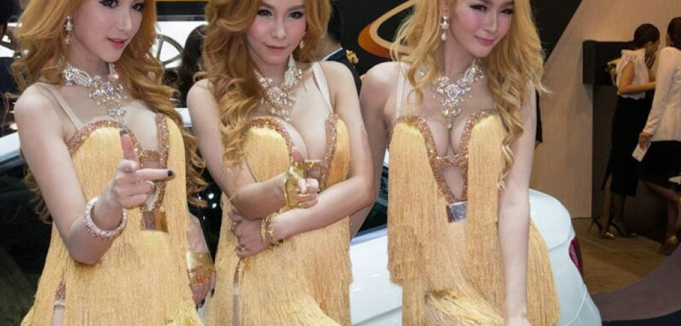 Sexy Asian Girls At Bangkok International Auto Salon 2015 10
