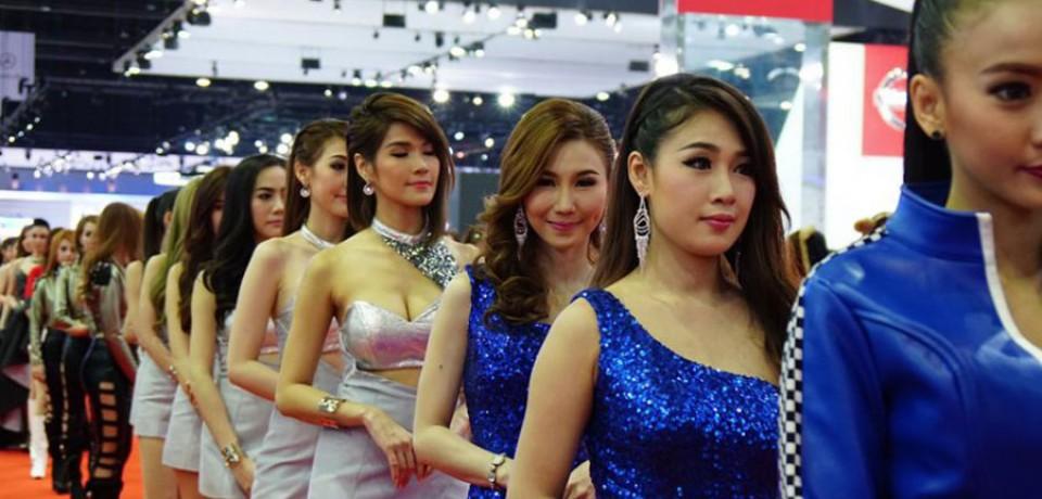 Sexy Asian Girls At Bangkok International Auto Salon 2015 12
